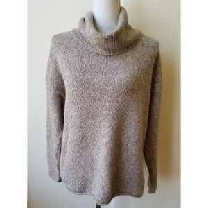 Athleta turtle neck Sweater Size L